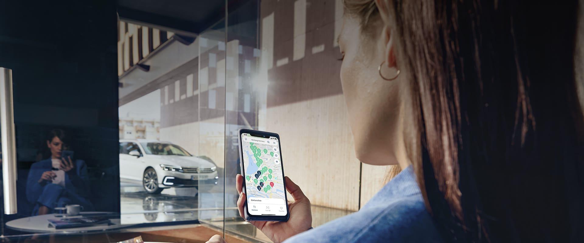 Kundin bedient Charge&Fuel App